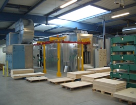 Painting plant with monorail overhead conveyor for wooden panels
